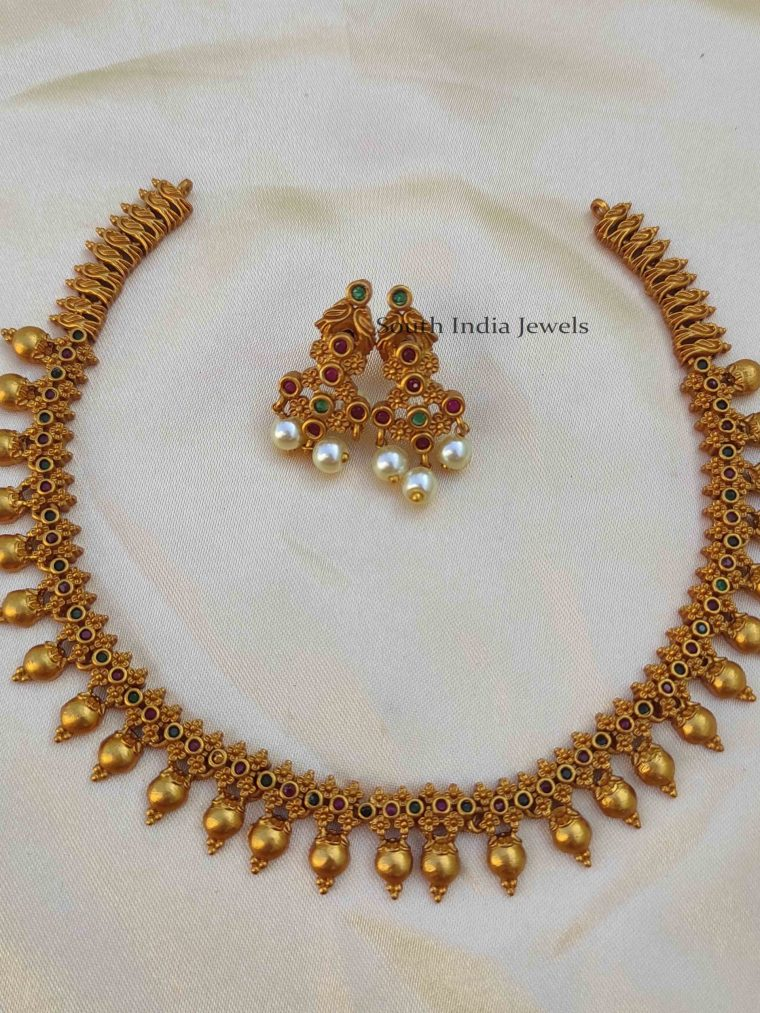 Pretty Light Weight Necklace