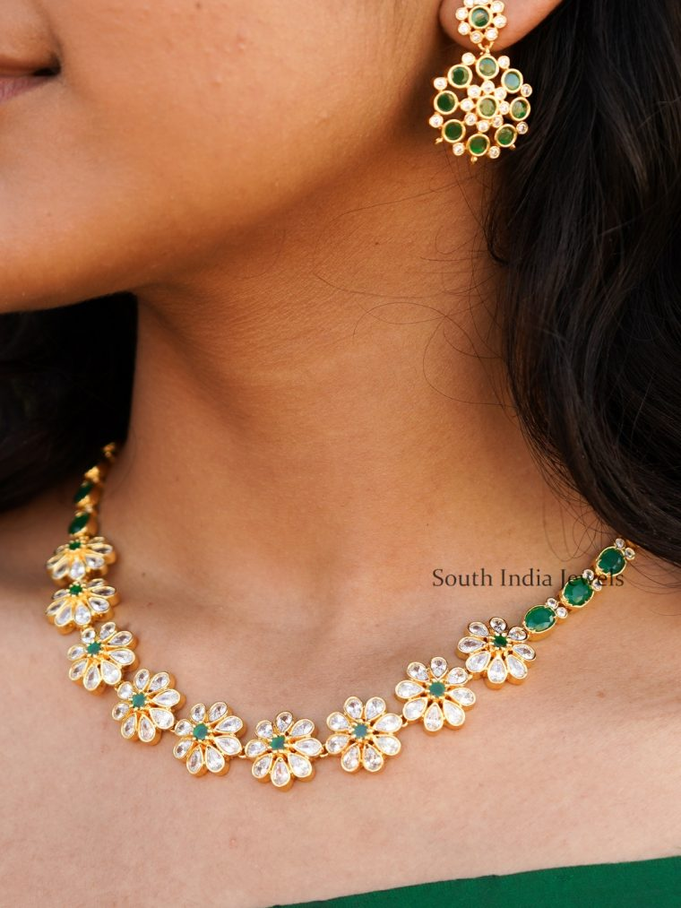 Traditional Flower Design Emerald Necklace