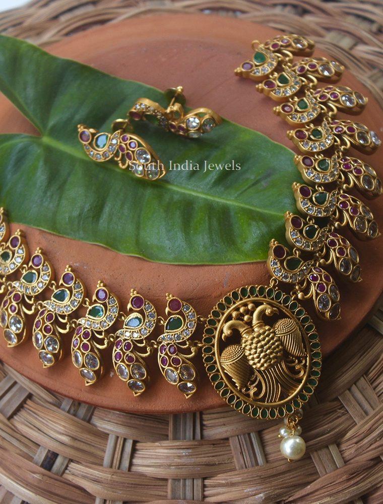Elegant Peacock Design Necklace (2)