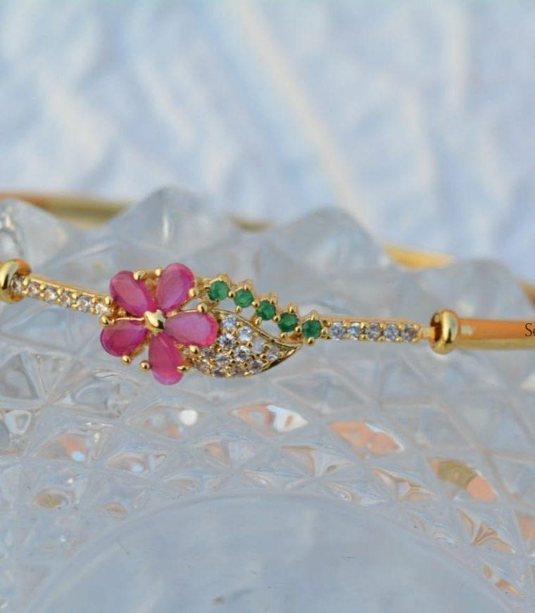 Gorgeous Flower Design Bracelet