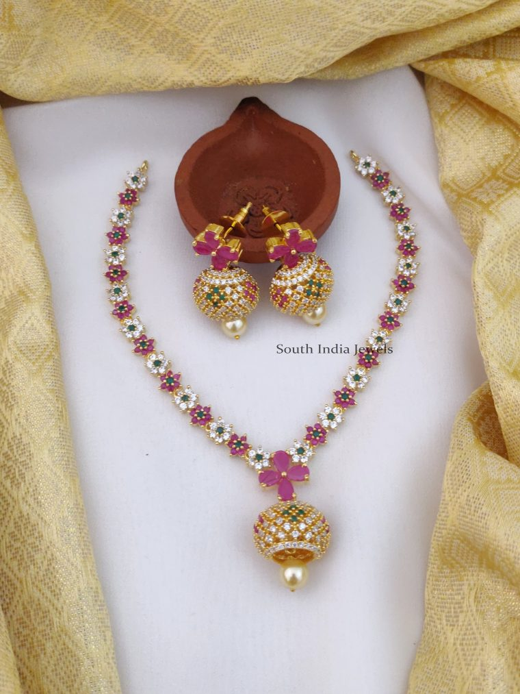 Gorgeous Flower Design Necklace