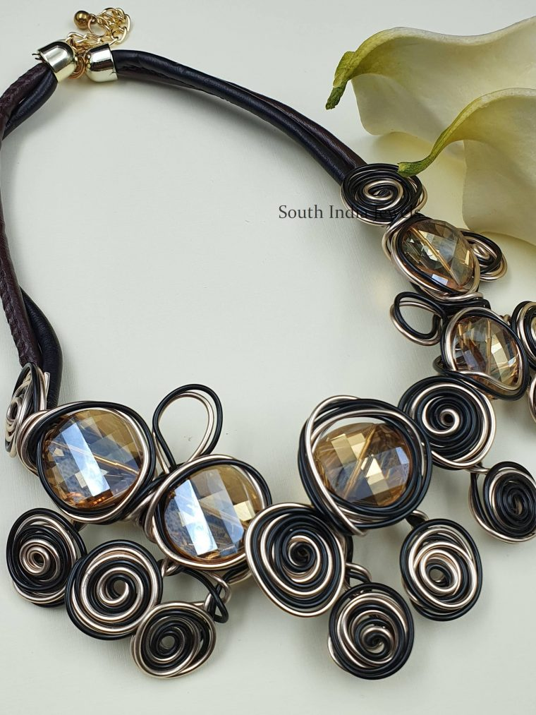 Gorgeous Multi Flowers Abalone Wired Necklace