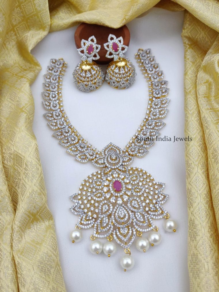 Traditional Flower Design AD Necklace