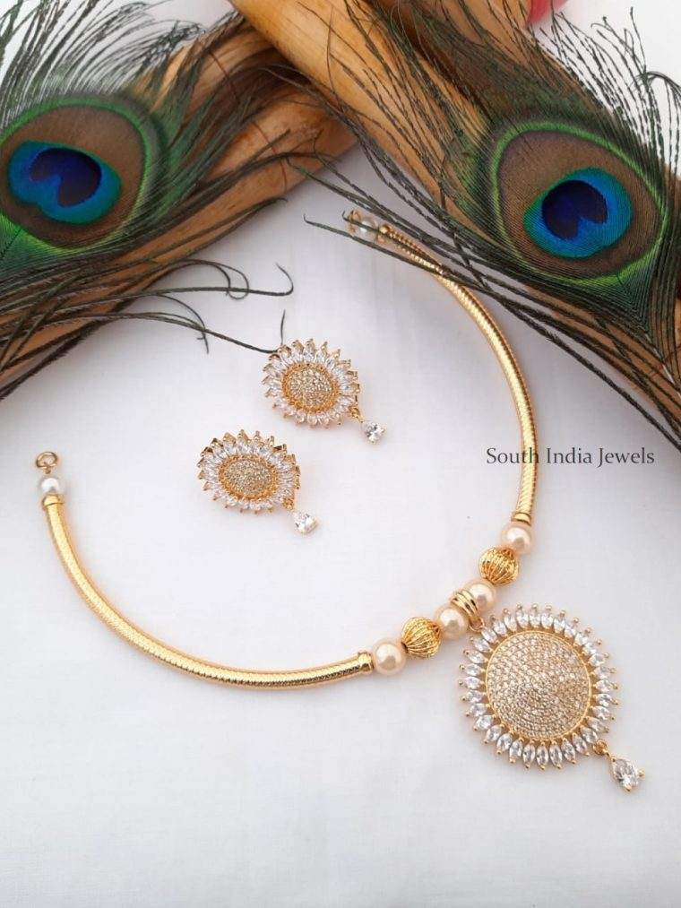 Trendy CZ Pendant Gold Tone Pipe Necklace