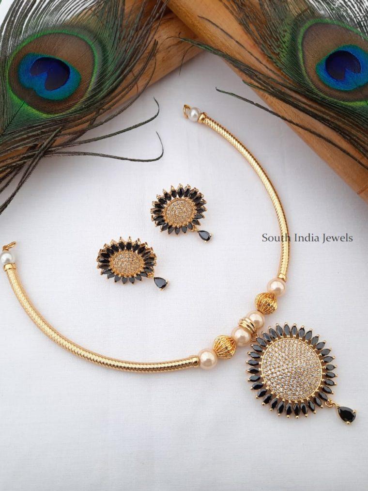 Trendy CZ Stone Pendant Pipe Necklace