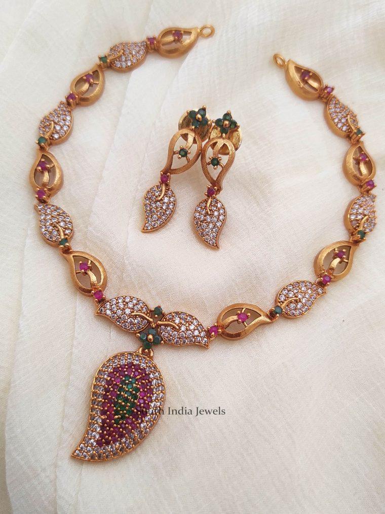 Trendy Mango Pendant Necklace