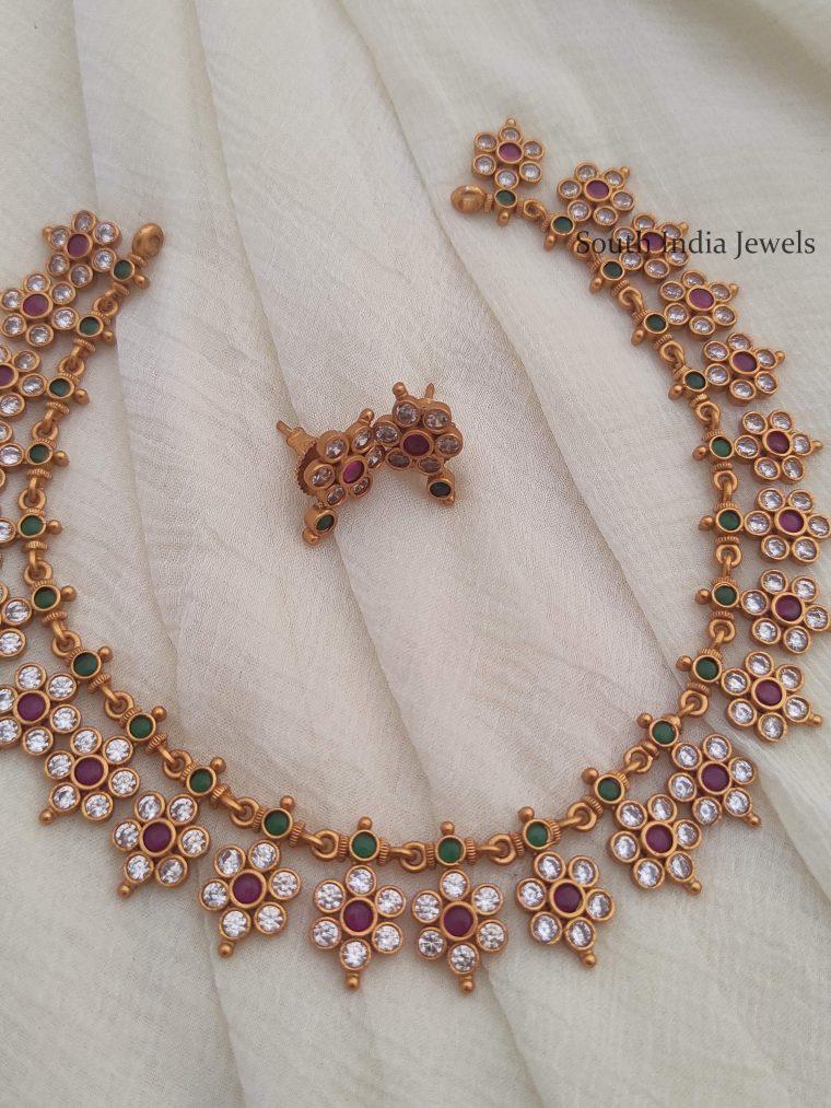 Beautiful Flower Design Necklace