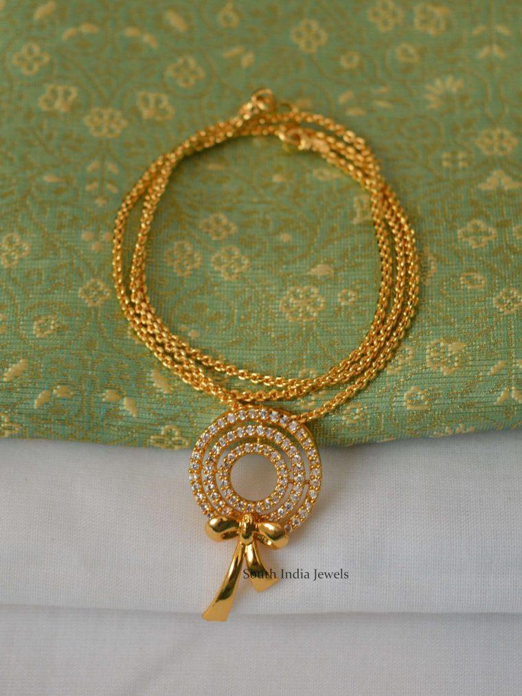 Beautiful Pendant with Gold Polish Short chain..