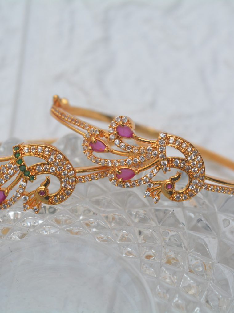 Gorgeous Peacock Design Bracelet (2)
