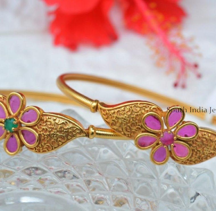 Simple Flower Design Bracelet (3)