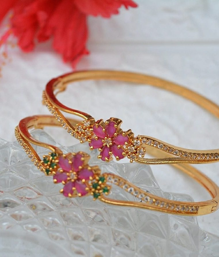 Simple Flower Design Bracelet
