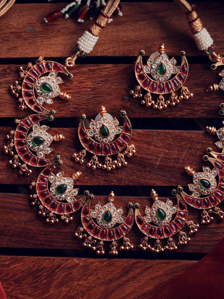 Traditional Half Moon Kemp Stone Necklace