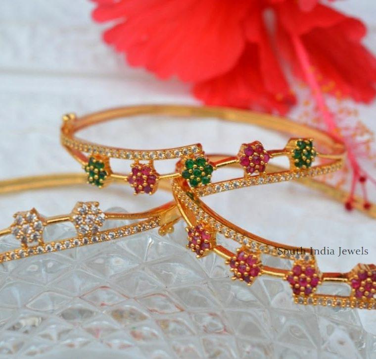 Trendy Flower Design Bracelet