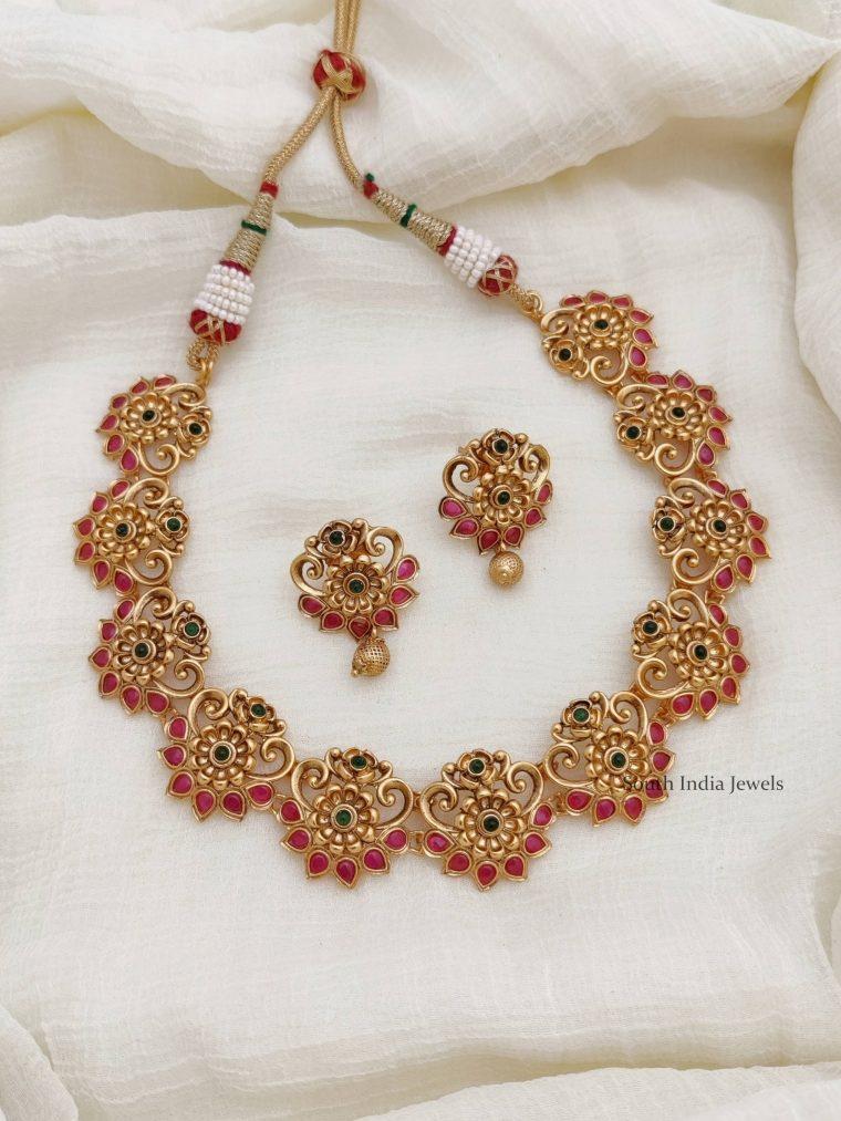 Unique Flower Design Necklace (2)