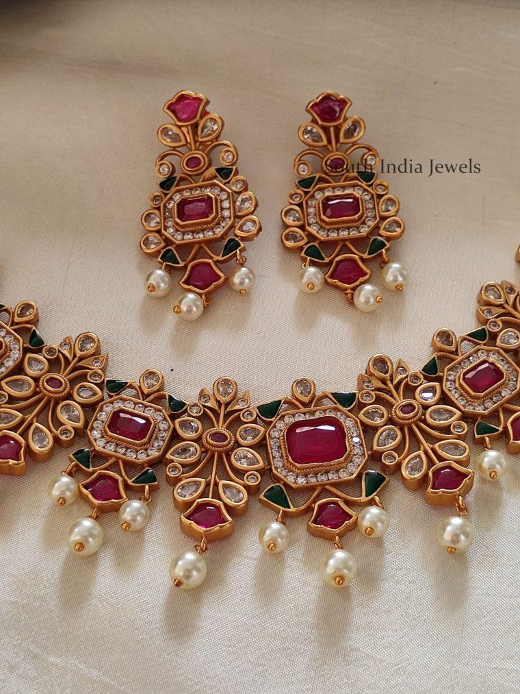 Unique Kemp & Green Stone Necklace