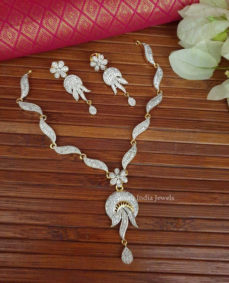 Alluring GJ Stone Necklace Set