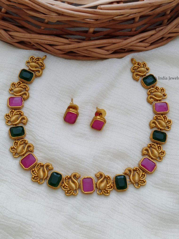 Beautiful Swan Design Necklace