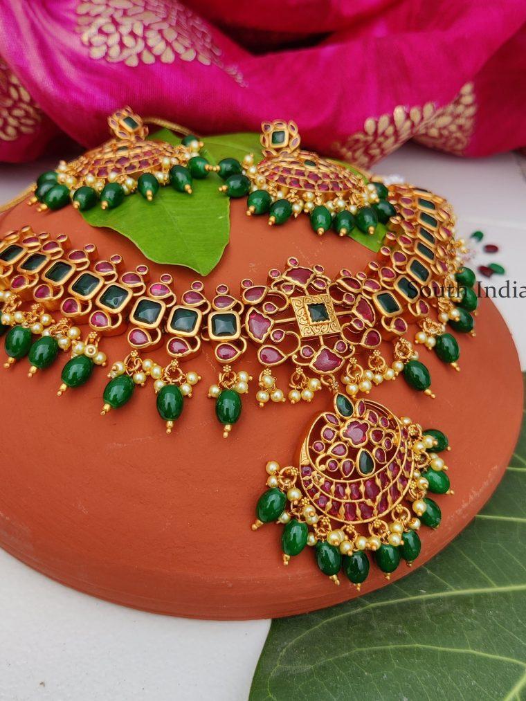 Classic Flower Design Premium Quality Necklace