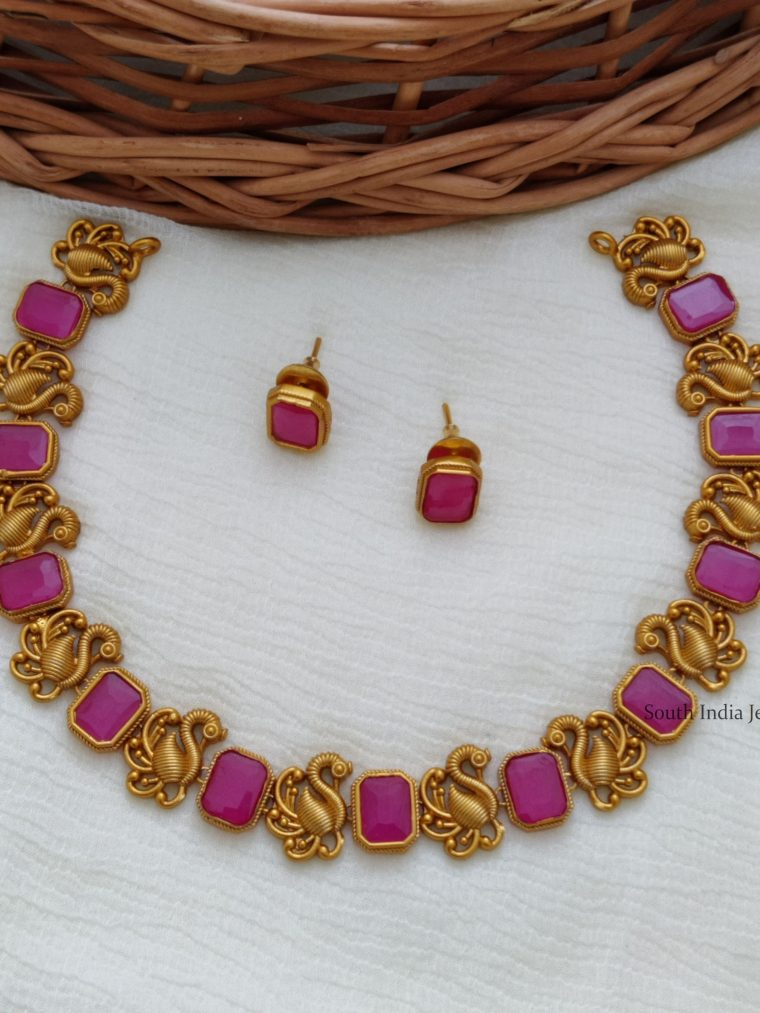 Classic Swan Design Ruby Necklace