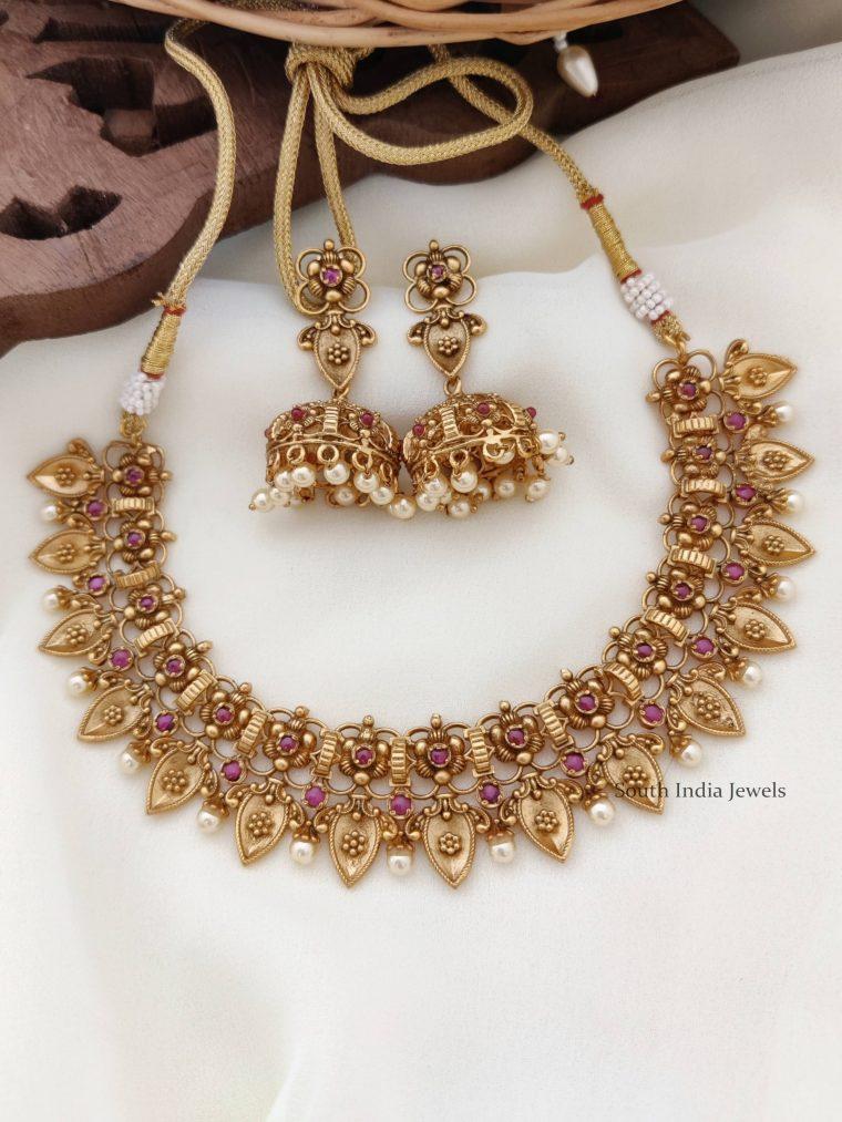 Elegant Flower Design Antique Necklace