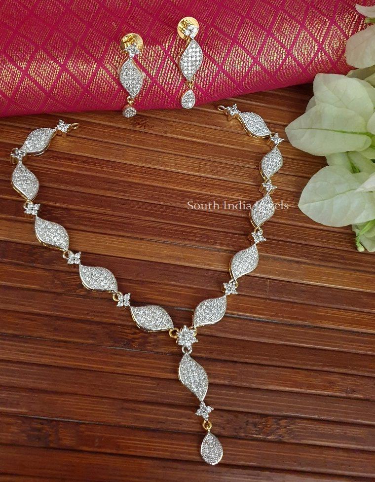 Grand Jhaiji Stone Necklace