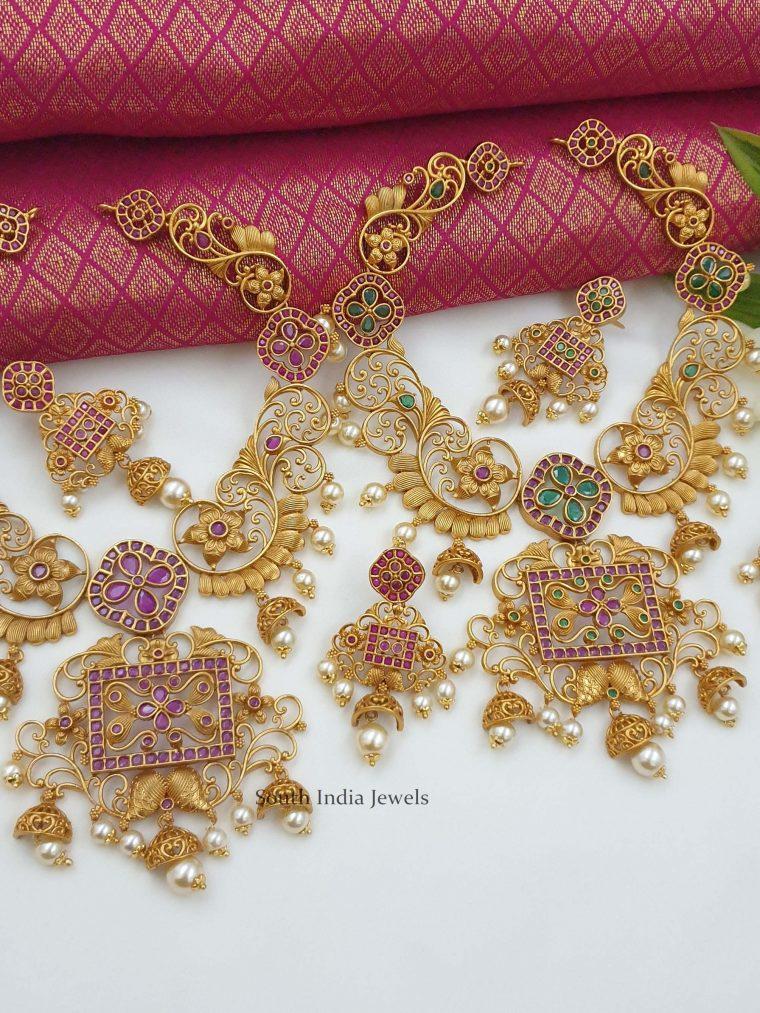 Matte Finish Flower Design Necklace (5)