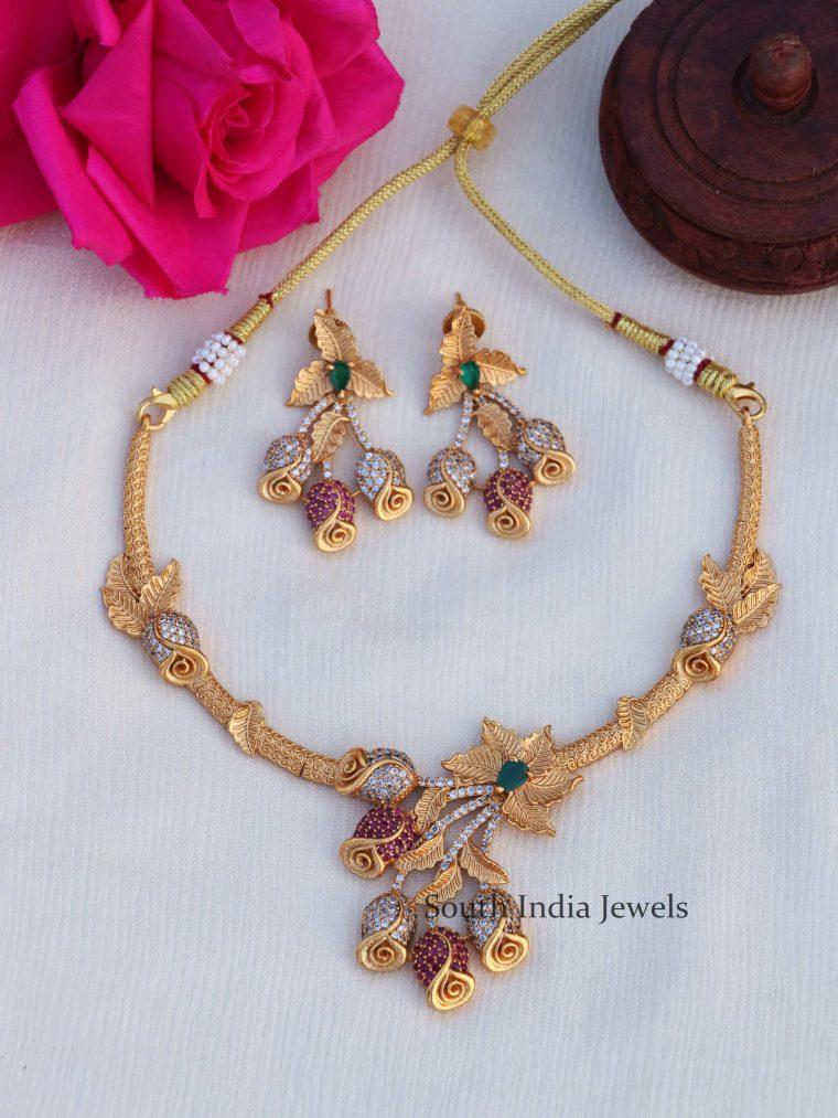 Rose Design Necklace Set