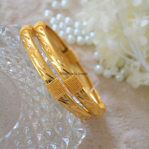 Self Design Gold Polish Bangles