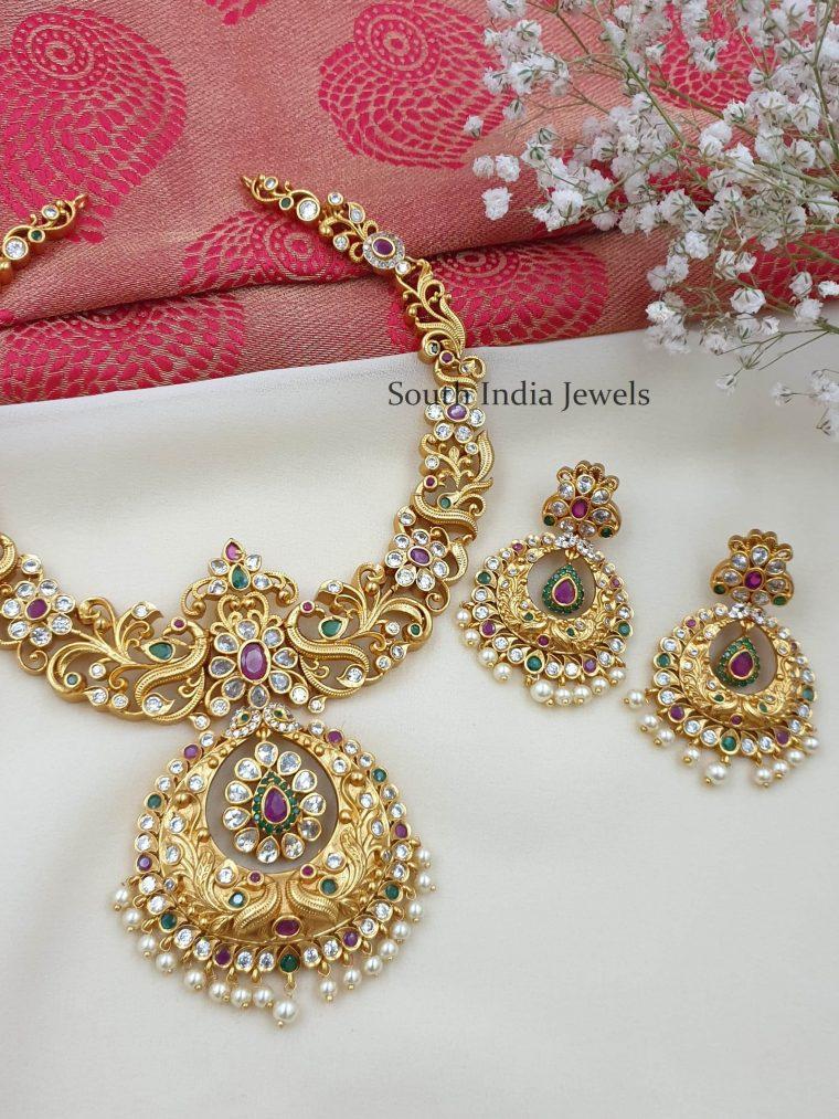 Unique Flower Design Necklace
