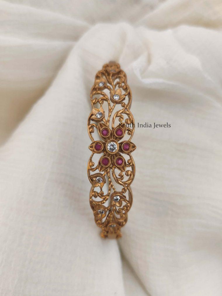 Beautiful Flower Design Openable Bracelet