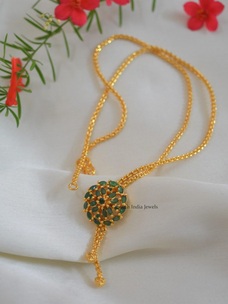Beautiful Gold Finish Chain with Pendant