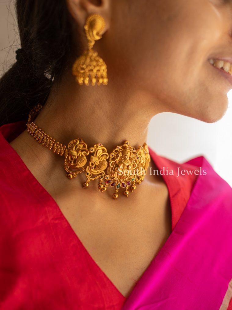 Beautiful-Lakshmi-and-Peacock-Engraved-Choker