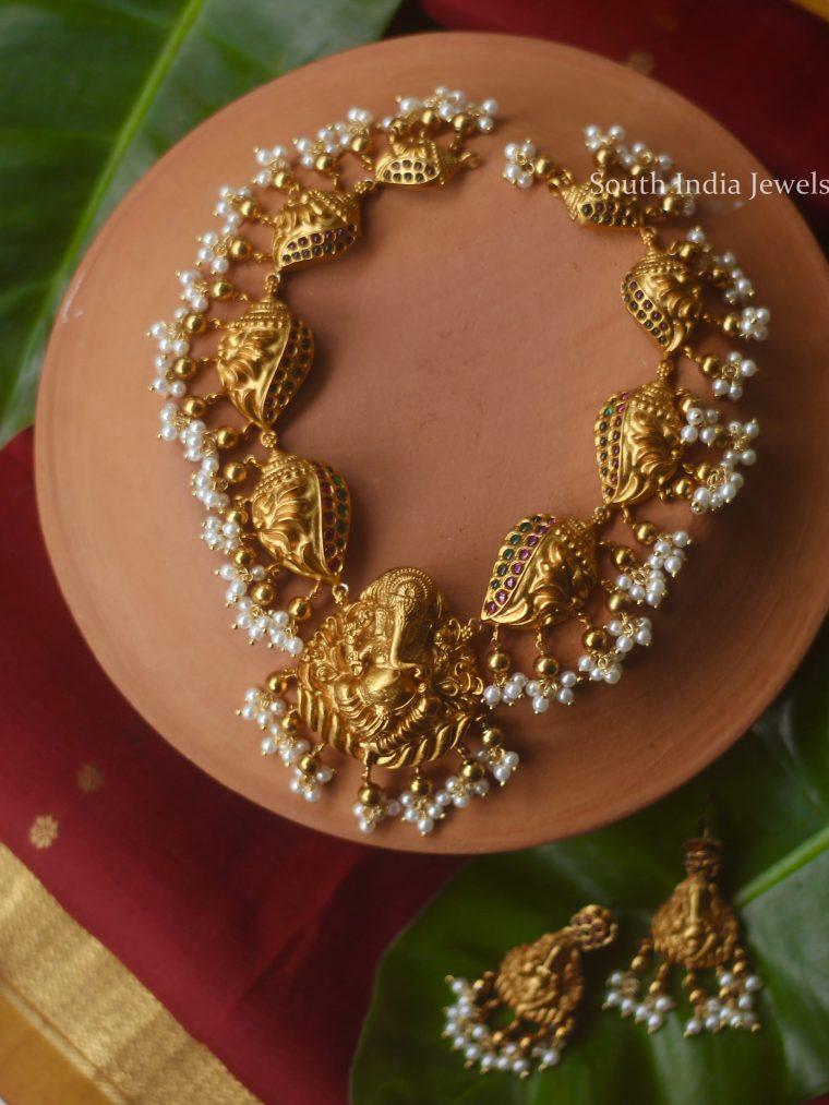 Classic-Gold-Tone-Ganesha-Engraved-Necklace