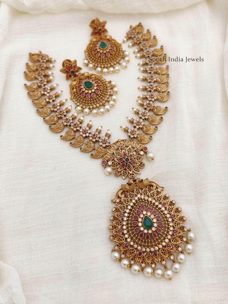Elegant-Mango-Design-Necklace