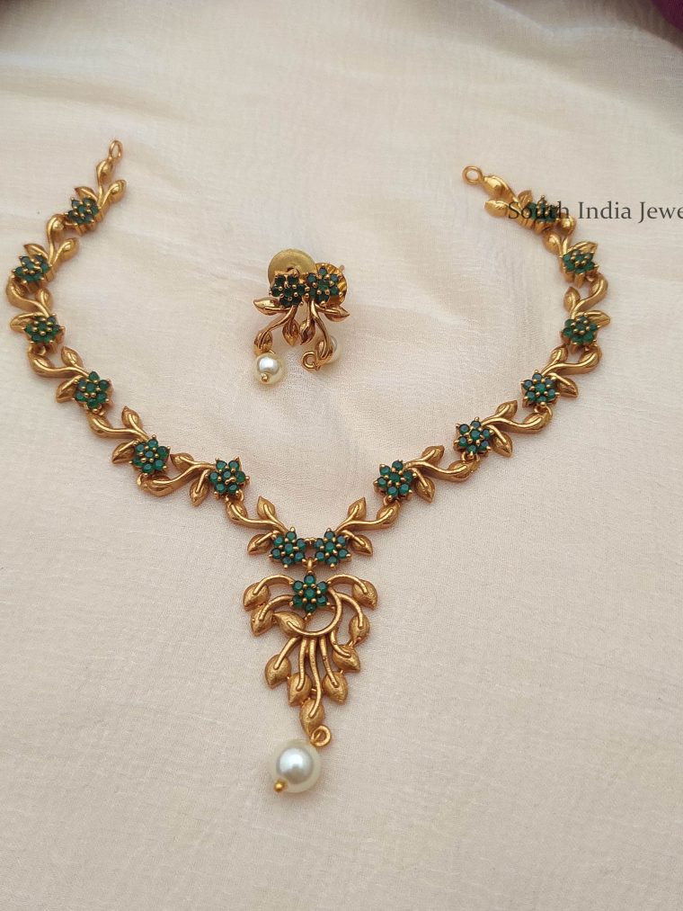 Floral Design Green Stone Necklace
