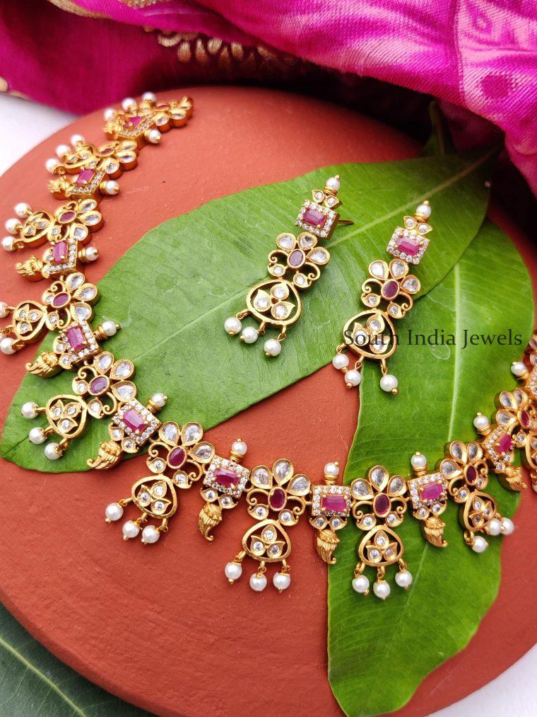 Floral Design Necklace Set