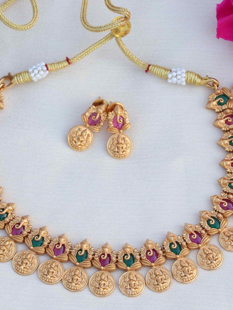 Glittering Ganesha Design Necklace
