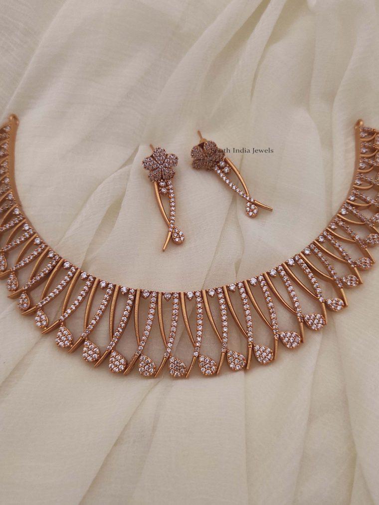 Glorious Flower Design Necklace