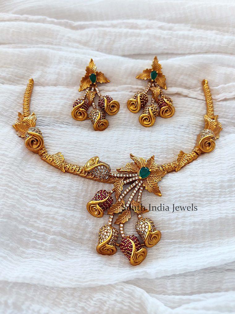 Rose Flower Design Necklace Set
