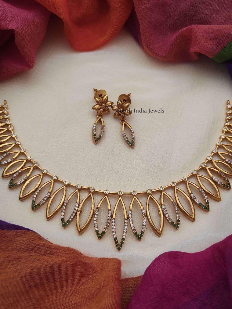 Traditional Leaf Design Necklace..