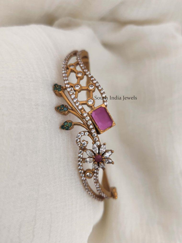 Unique Flower Design Openable Bracelet