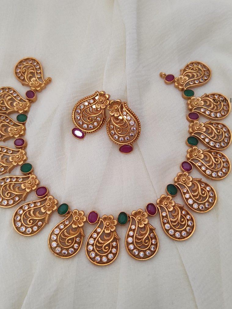 stunning floral design necklace-01