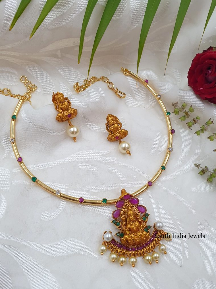 traditional lakshmi pendant with earrings-01