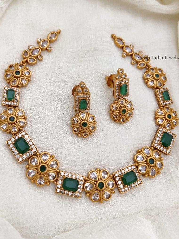 Beautiful Floral Design Necklace