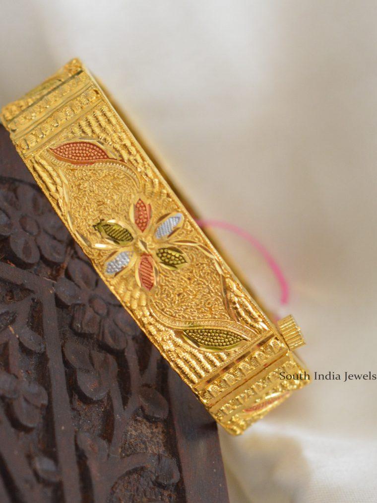 Beautiful Forming Polish Kada Bangle