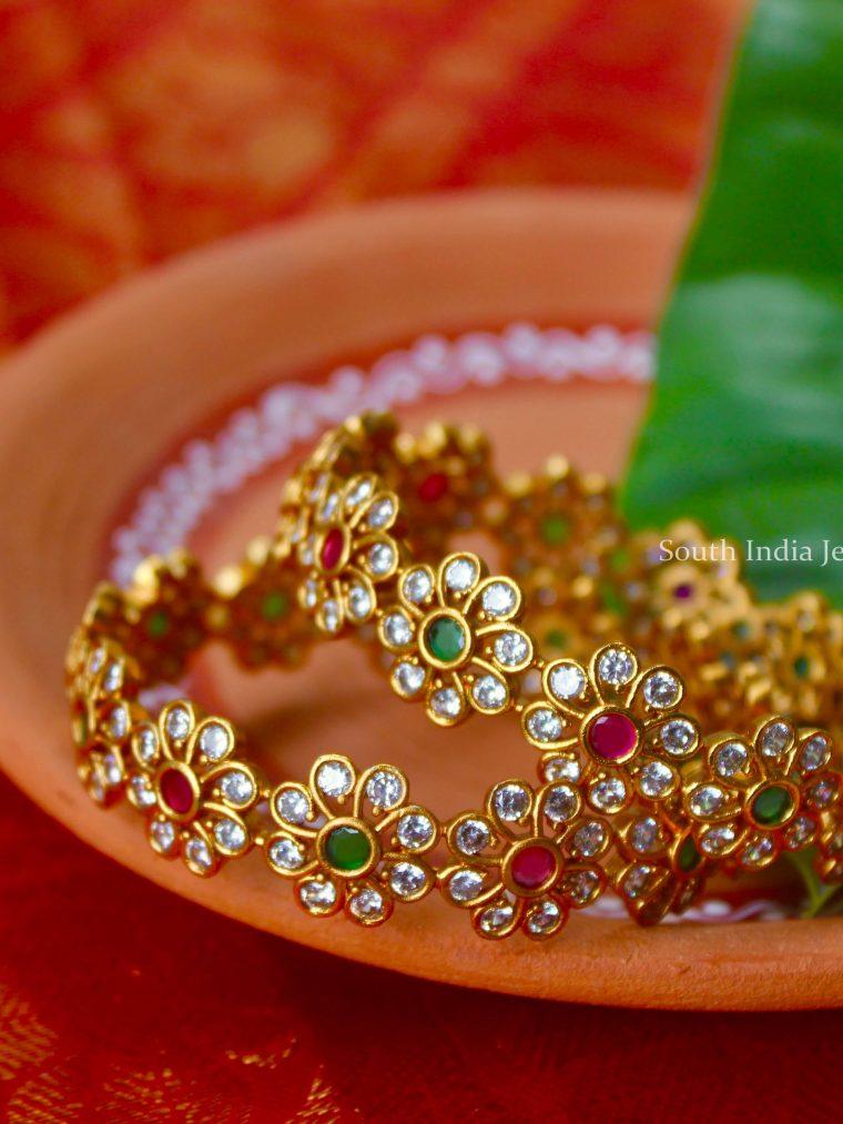 Blooming Floral Design Bangle Set
