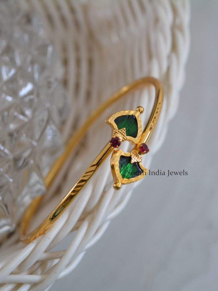 Classic-Gold-Palaka-Stone-Bracelet