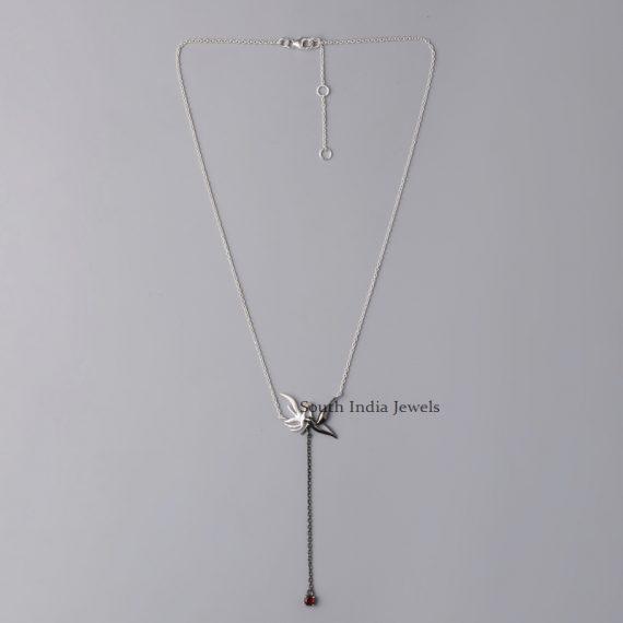 Elegant-Dove-Bond-Necklace