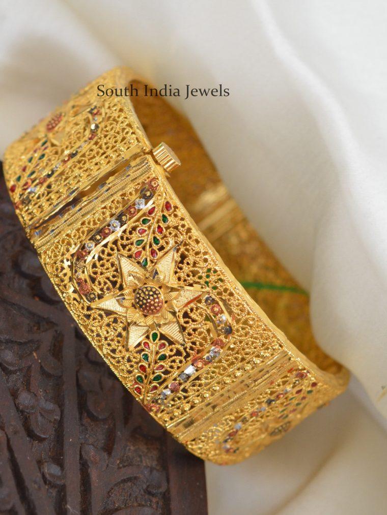 Elegant-Gold-Polish-Kada-Bangle