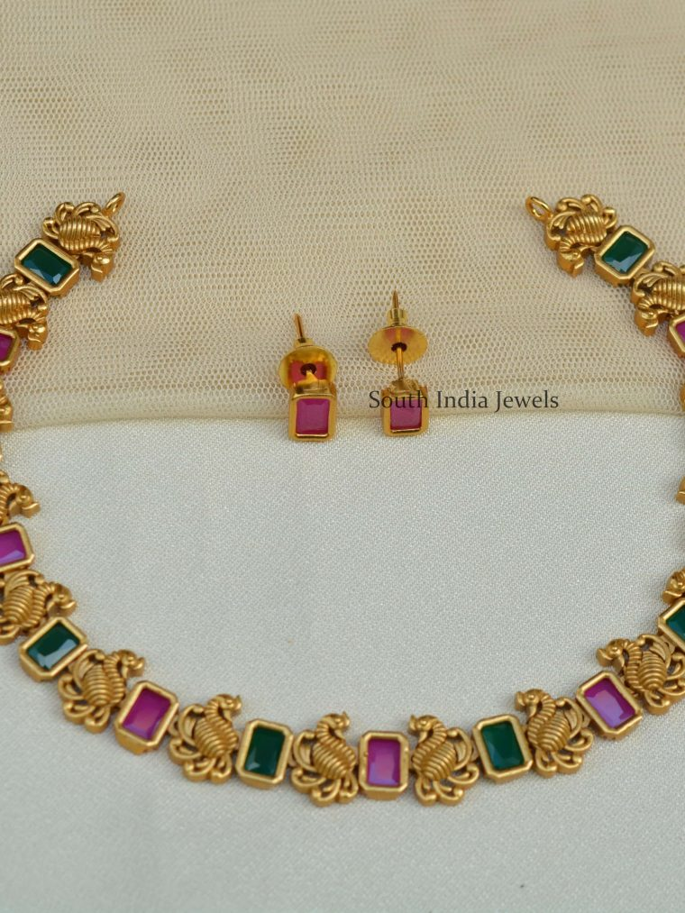 Gorgeous-Swan-Design-Necklace